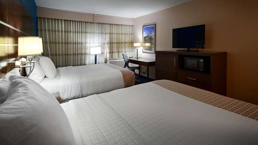 Best Western Benton Harbor-St. Joseph - Two Queen Guest Room