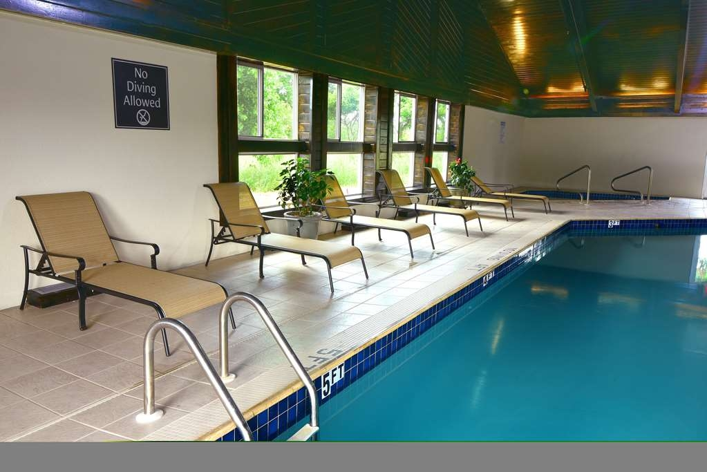 Best Western Plus Flint Airport Inn & Suites - Indoor Swimming Pool