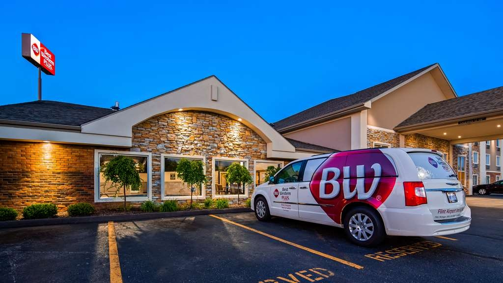 Best Western Plus Flint Airport Inn & Suites - Exterior