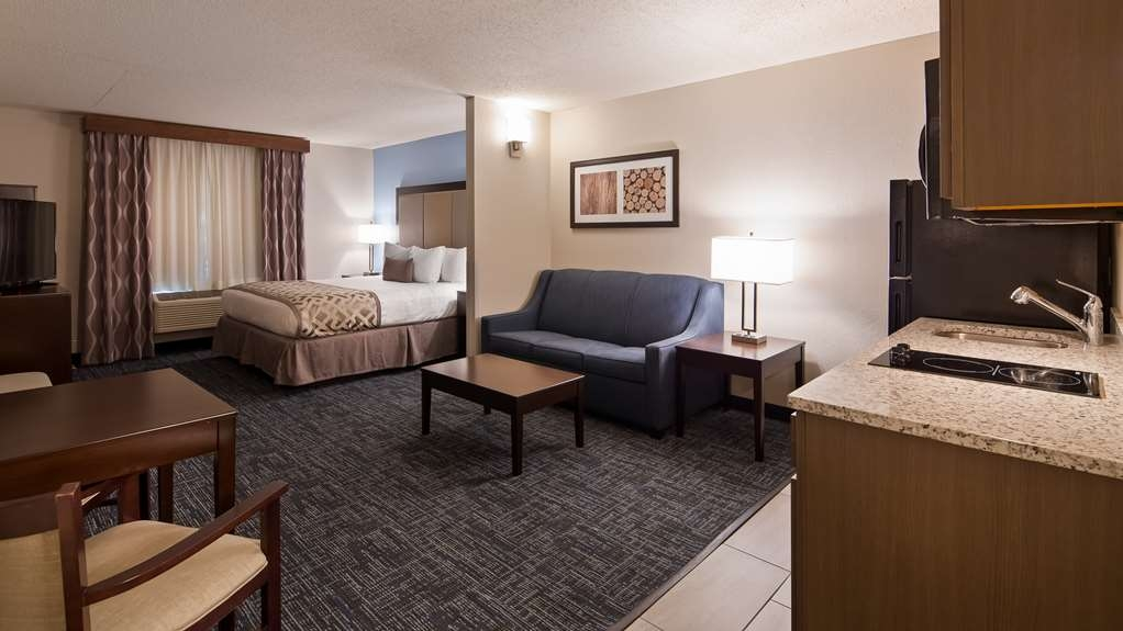 Best Western Plus Flint Airport Inn & Suites - King Kitchenette Suite with Sofa