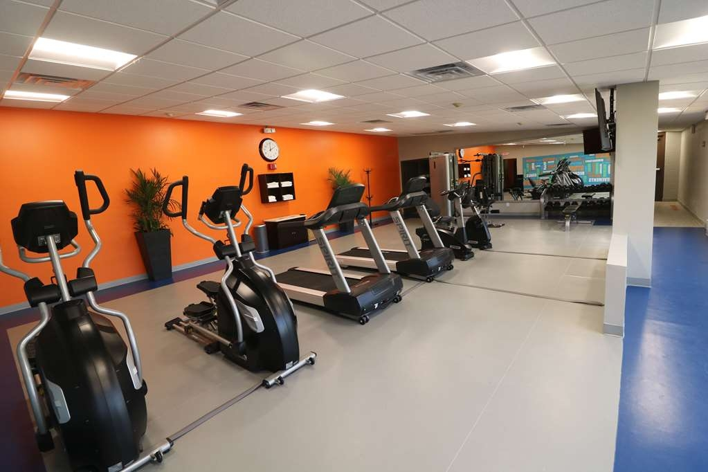 Best Western Premier Detroit Southfield Hotel - Fit a workout into your busy day during your stay with the convenience of an onsite fitness center.