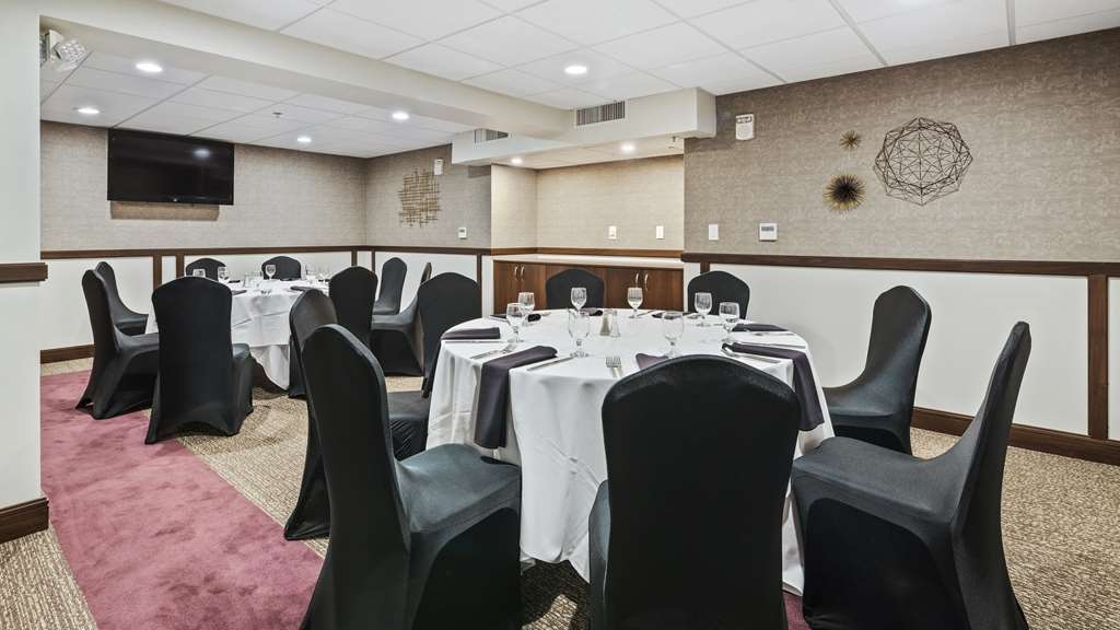 Best Western Premier Detroit Southfield Hotel - Whether you need a theatre, classroom, banquet or reception setting we can accommodate your next event.