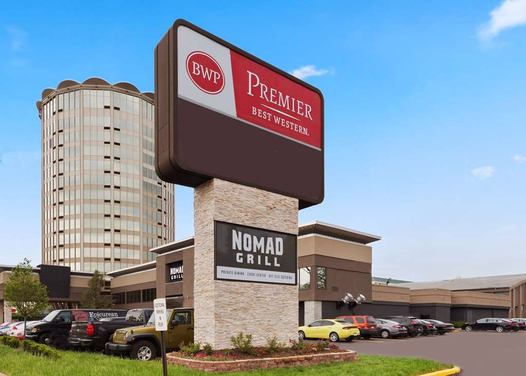 Best Western Premier Detroit Southfield Hotel - Facciata dell'albergo