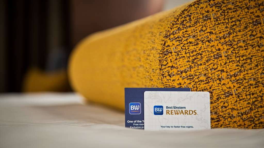 Best Western Premier Detroit Southfield Hotel - Join our award winning loyalty program and earn points during your stay with us.