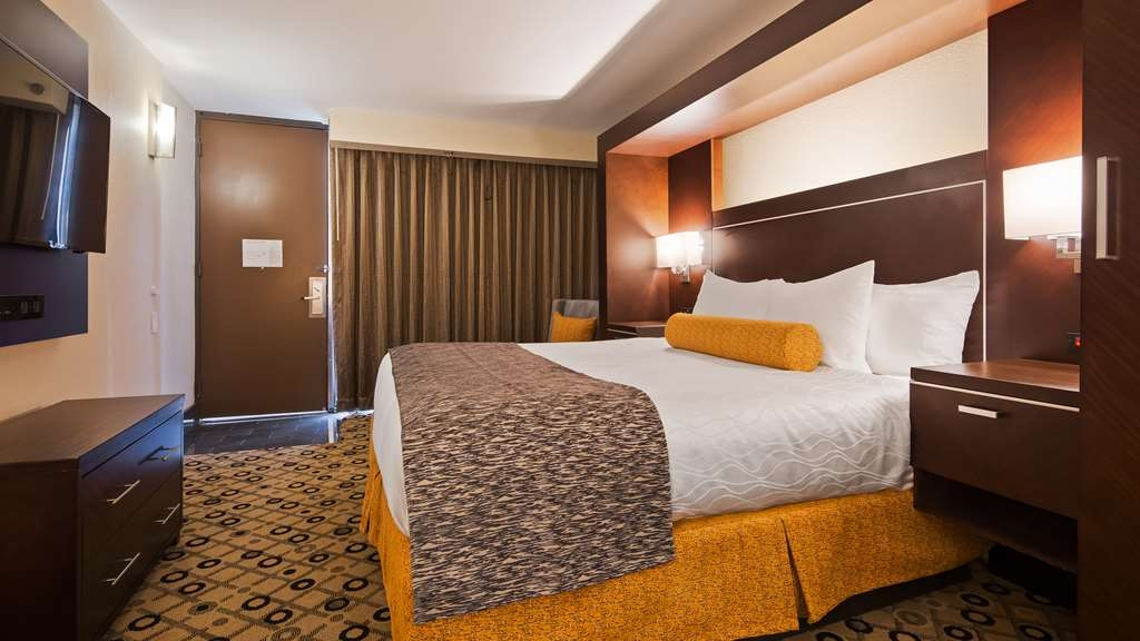 Best Western Premier Detroit Southfield Hotel - guest room