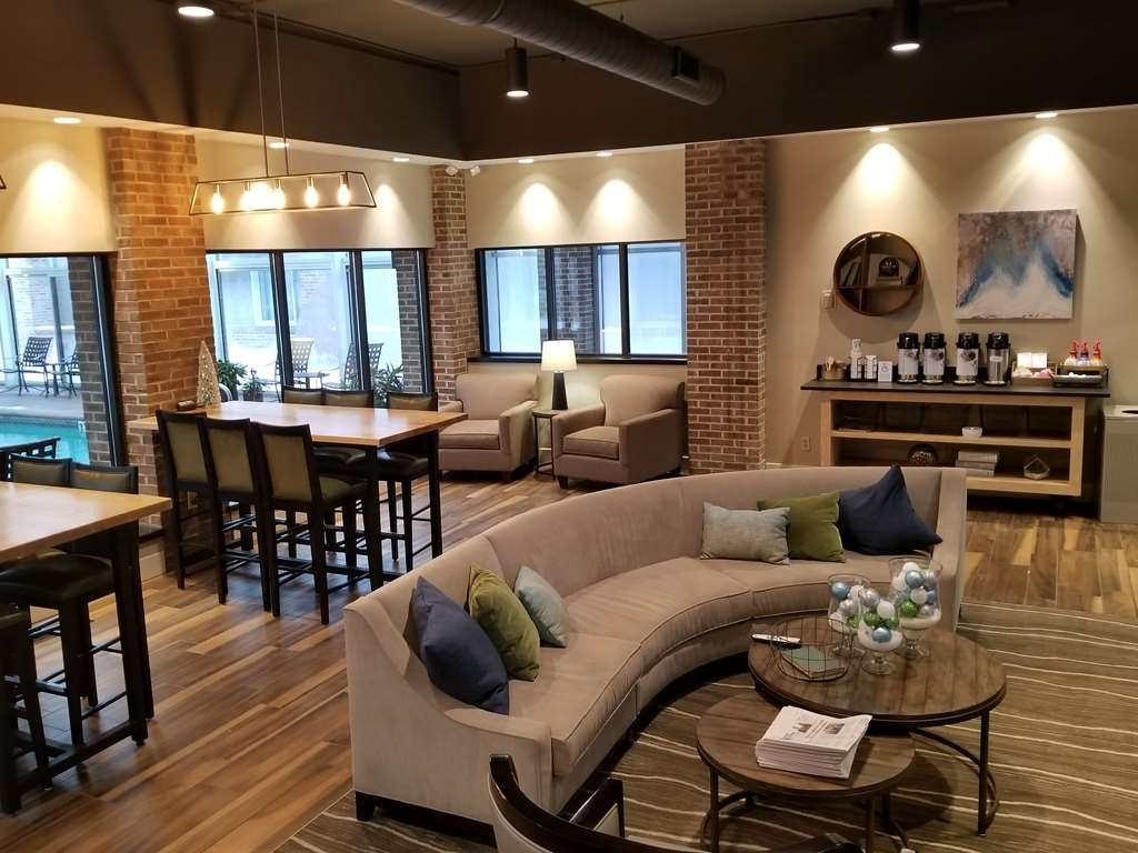 Best Western Okemos/East Lansing Hotel & Suites - Lobby