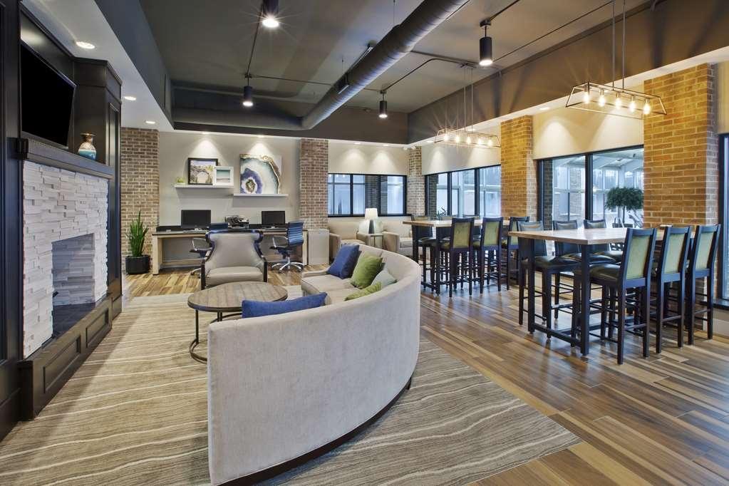 Best Western Okemos/East Lansing Hotel & Suites - Vue du lobby
