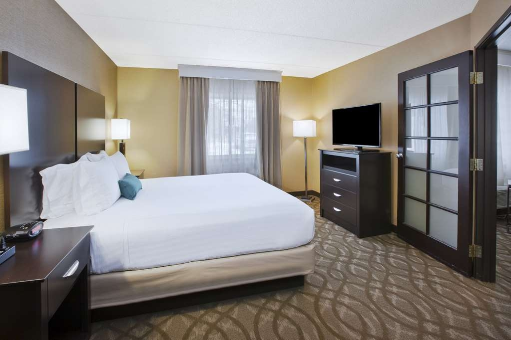 Best Western Okemos/East Lansing Hotel & Suites - King Suite Guest Room