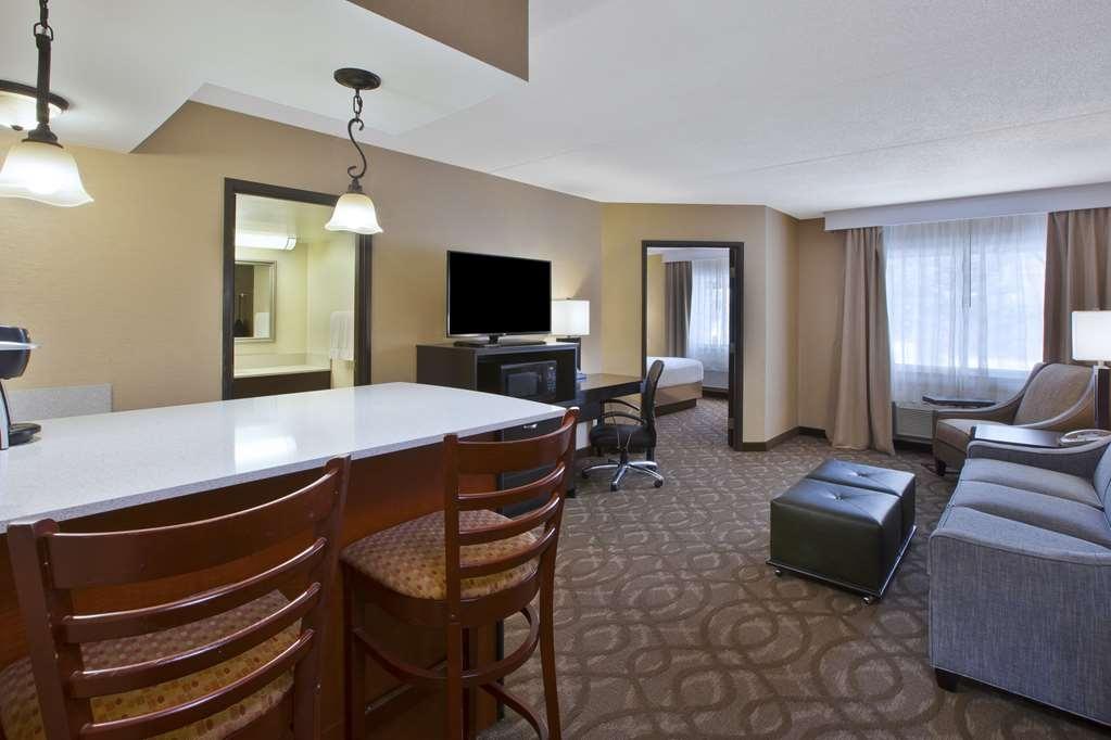 Best Western Okemos/East Lansing Hotel & Suites - King Suite Room