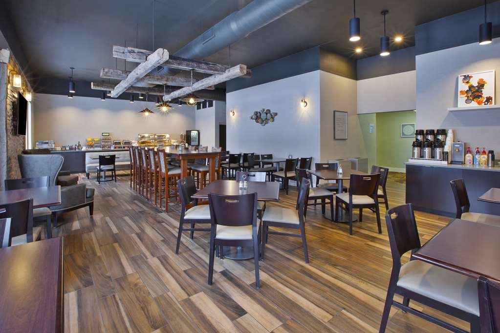 Best Western Okemos/East Lansing Hotel & Suites - Breakfast Buffet and Dining Area