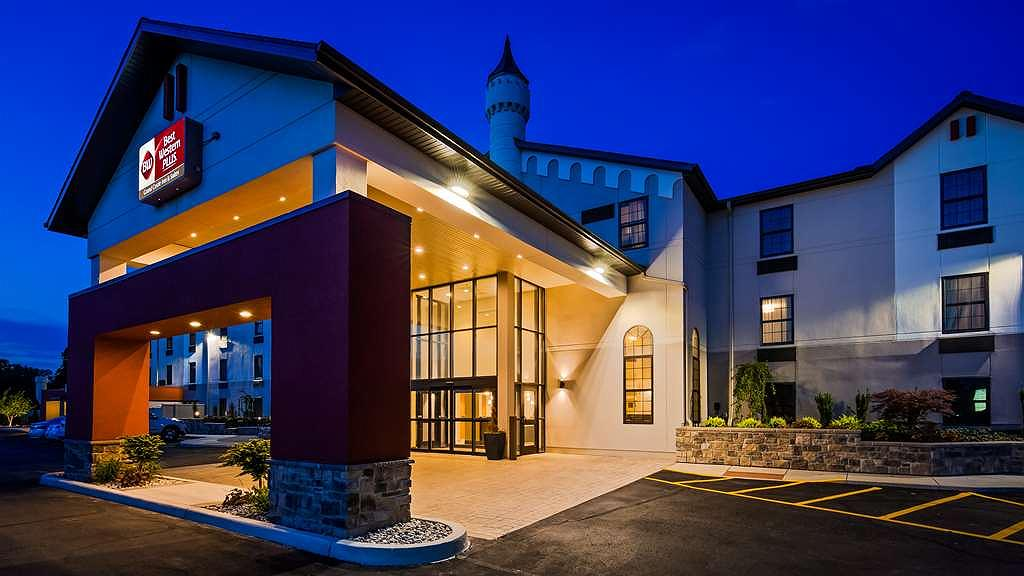 Best Western Plus Grand Castle Inn & Suites Grand Rapids West - Area esterna