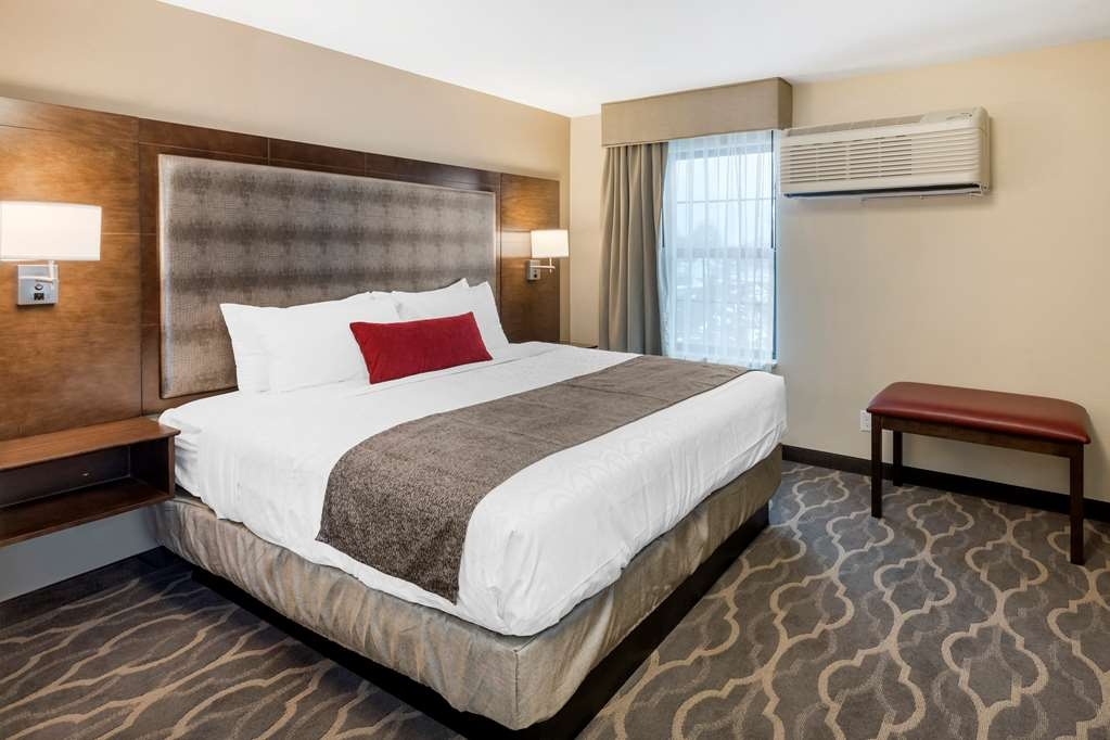 Best Western Plus Grand Castle Inn & Suites Grand Rapids West - Suite