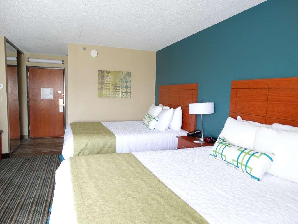 Best Western Warren Hotel - Standard Double Queen Guest Room