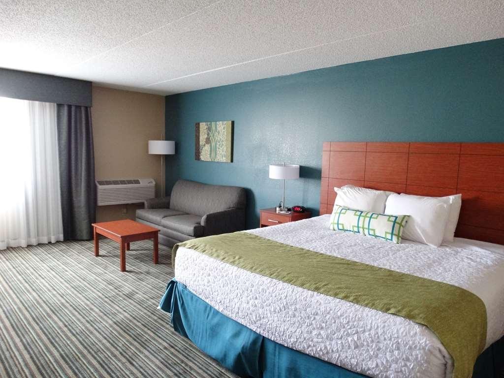 Best Western Warren Hotel - Standard King Guest Room