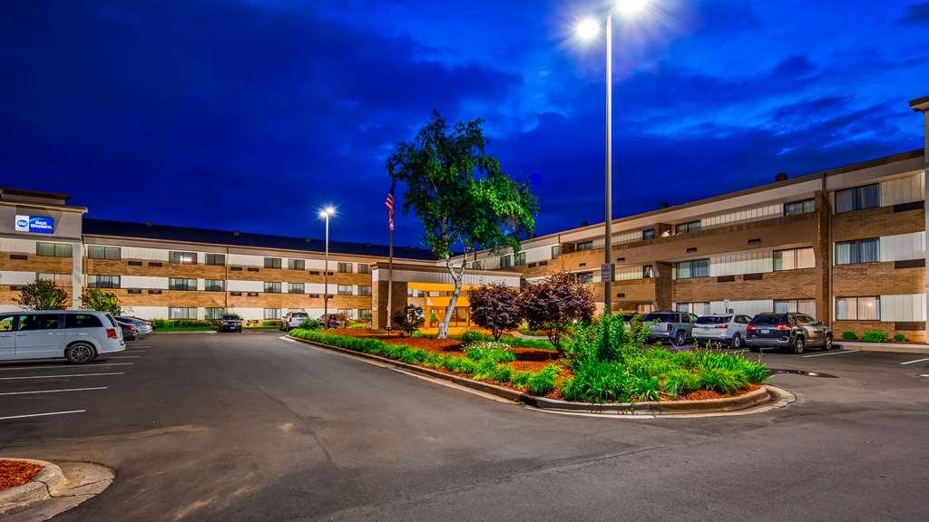 Best Western Warren Hotel - Außenansicht