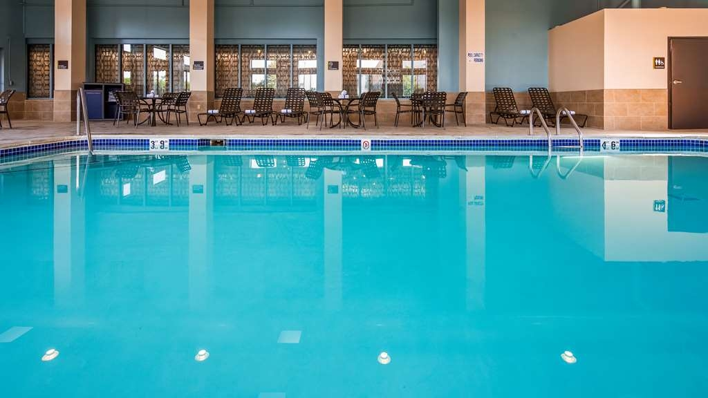 Best Western Warren Hotel - Piscina