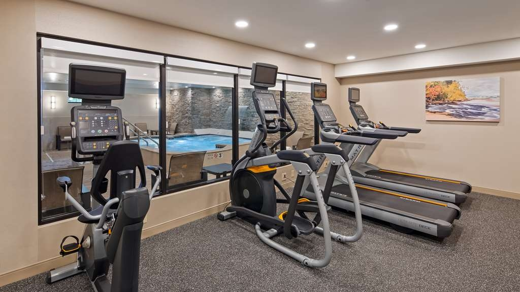 Best Western Plus Superior Inn - Our fitness center is outfitted with everything you need for a great workout.