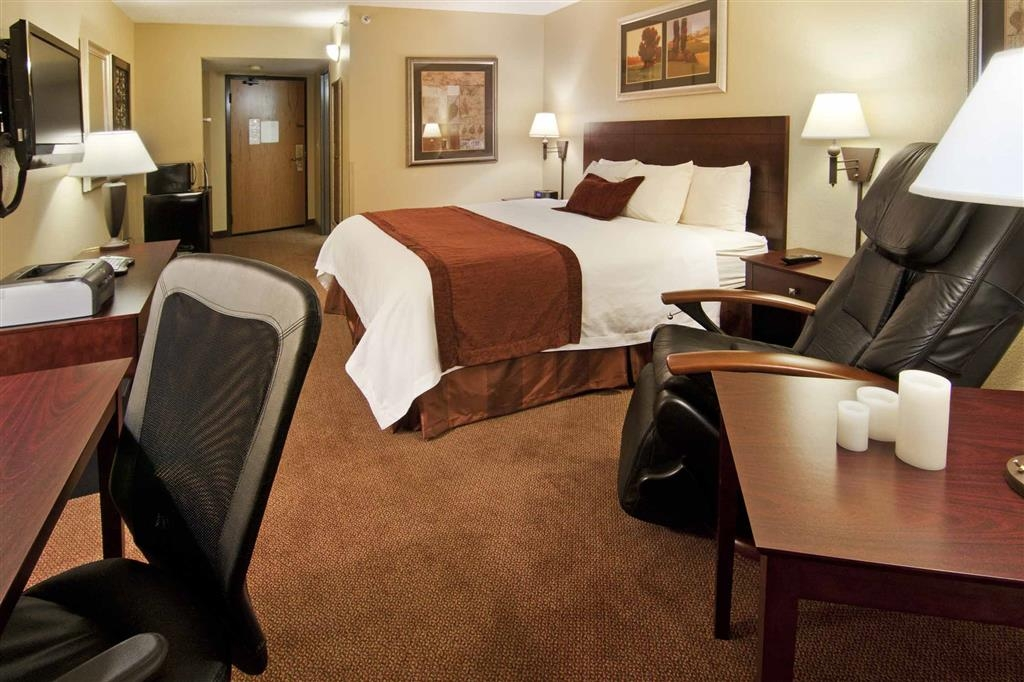 Best Western Plus Dakota Ridge - Premium amenities include; massage chair, Keurig® coffee maker with (two free K-cups per day) and a 42-inch flat panel TV.