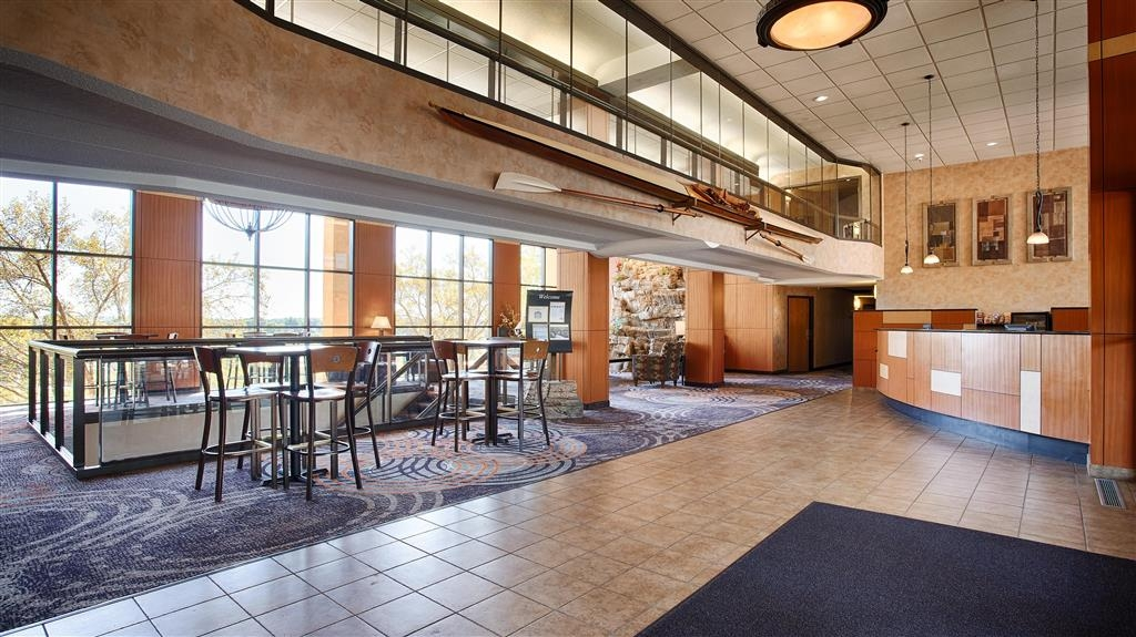 Best Western Plus Dakota Ridge - Hall