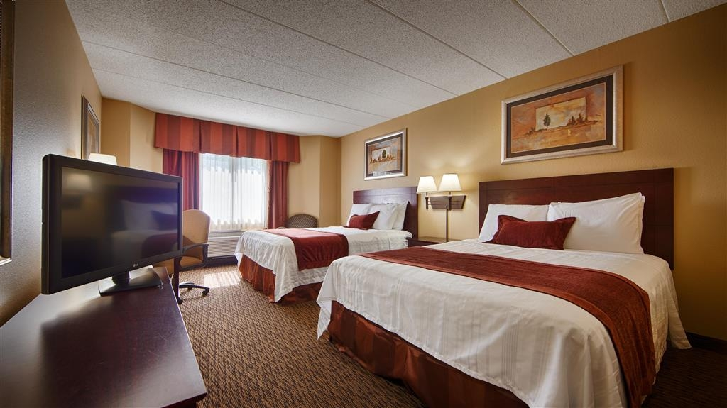 Best Western Plus Dakota Ridge - After a long day of work or play, unwind in a comfortable non-smoking mobility accessible room with two queen beds.