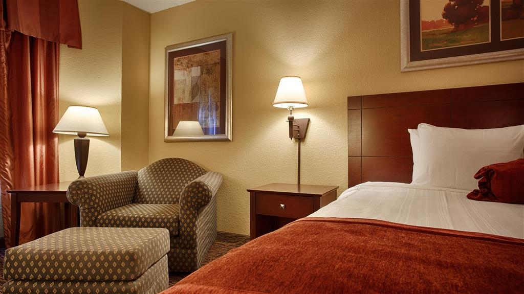 Best Western Plus Dakota Ridge - Our most popular room type is our king guest room which features a comfortable king bed, ergonomic chair and a writing desk.