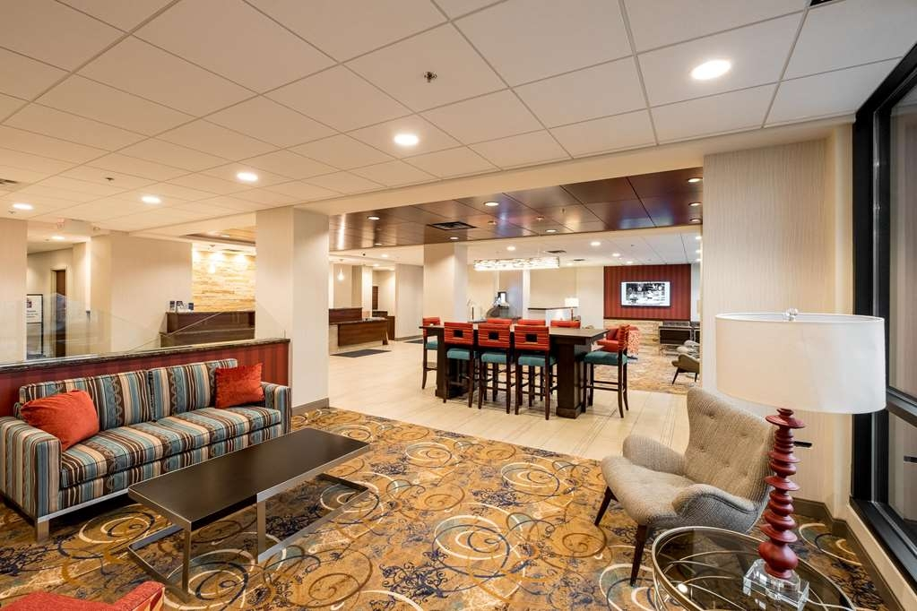 Best Western Plus Capitol Ridge - We strive to exceed your every expectation starting from the moment you walk into our lobby.