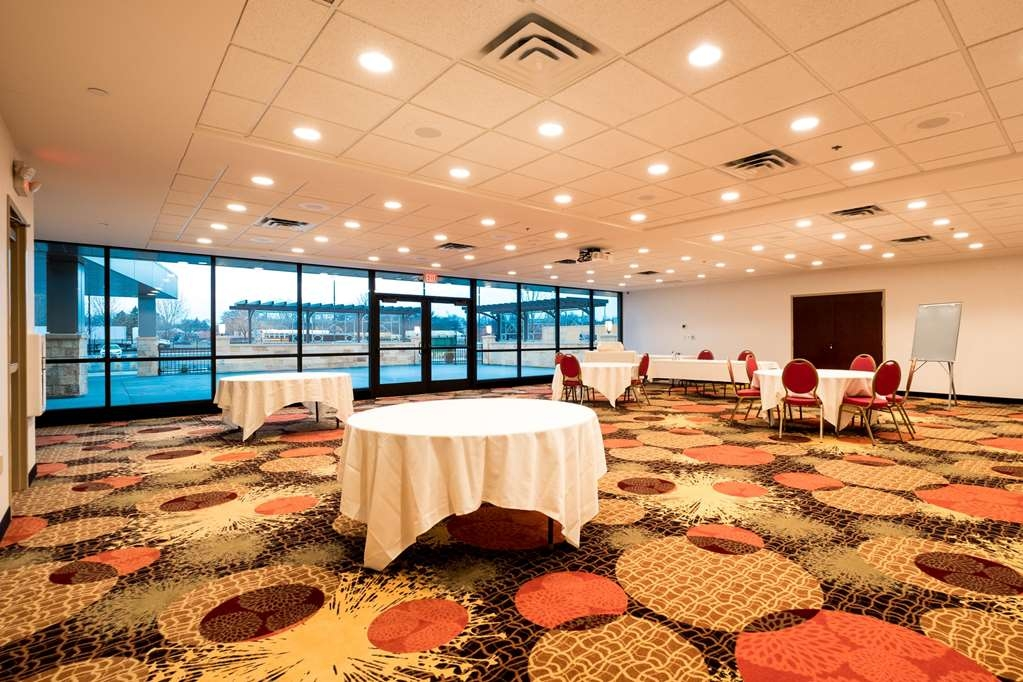 Best Western Plus Capitol Ridge - Capitol Hall Meeting space can fit up to 175 people or can be split into two spaces for 75 each.