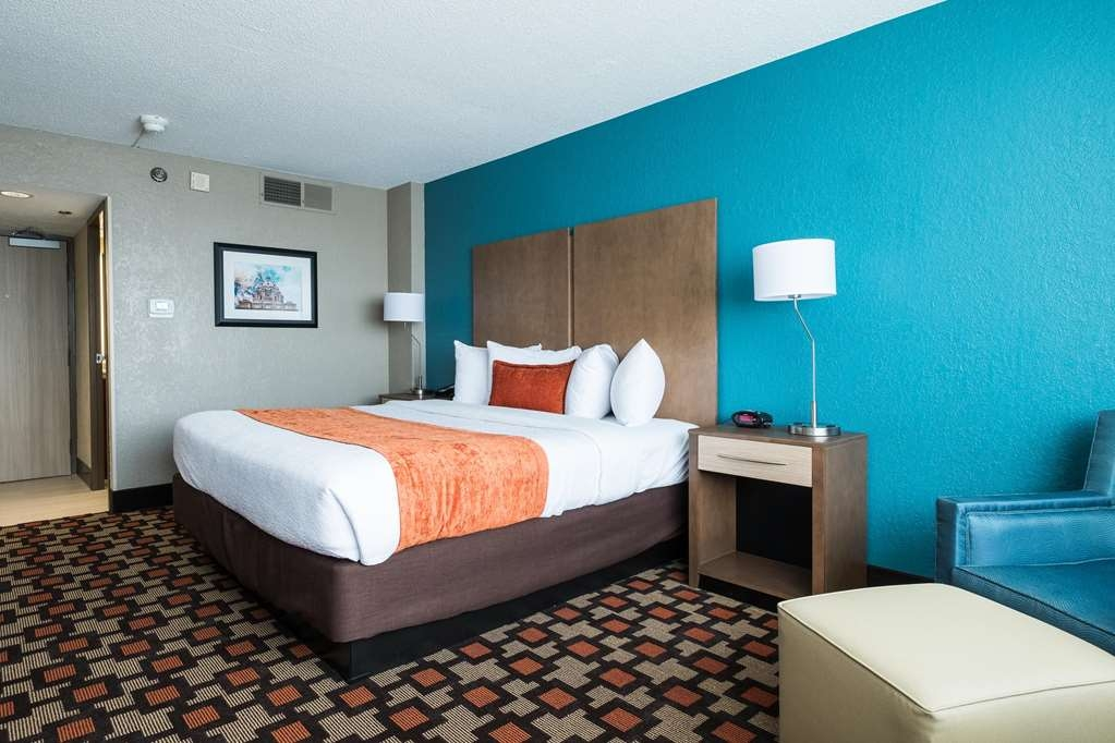 Best Western Plus Capitol Ridge - Standard King room offers the comforts of home with amenities including a fridge, microwave and Wi-Fi.