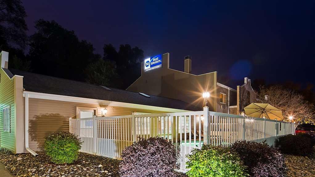 Best Western Rivertown Hotel & Suites