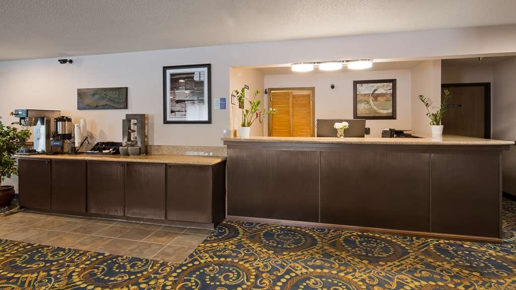 Best Western Rivertown Hotel & Suites - Hall
