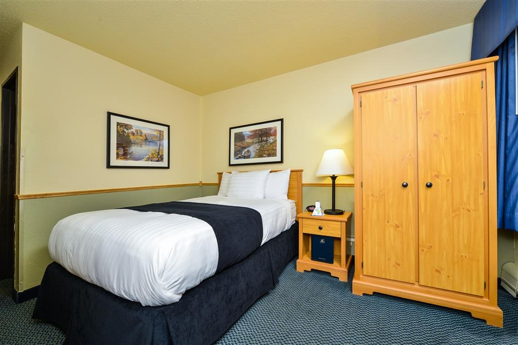 Best Western Bemidji - Efficiency Guest Room with One Double Bed