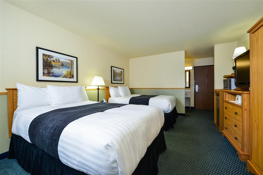 Best Western Bemidji - Relax in one of our comfy beds and stay connected with our speedy Wi-Fi and 37-inch television.