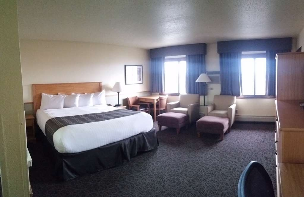 Best Western Bemidji - Relax in our spacious oversized king guest room.