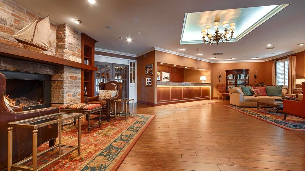 Best Western Plus White Bear Country Inn - Lobbyansicht