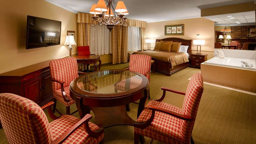 Best Western Plus White Bear Country Inn - Suite