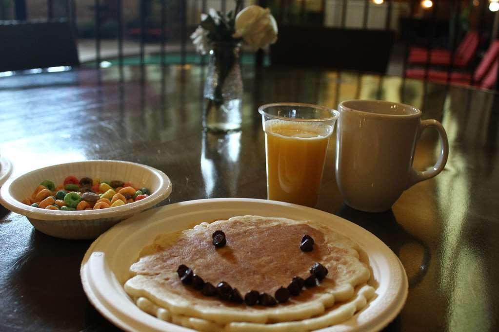 Best Western Plus White Bear Country Inn - Ristorante / Strutture gastronomiche