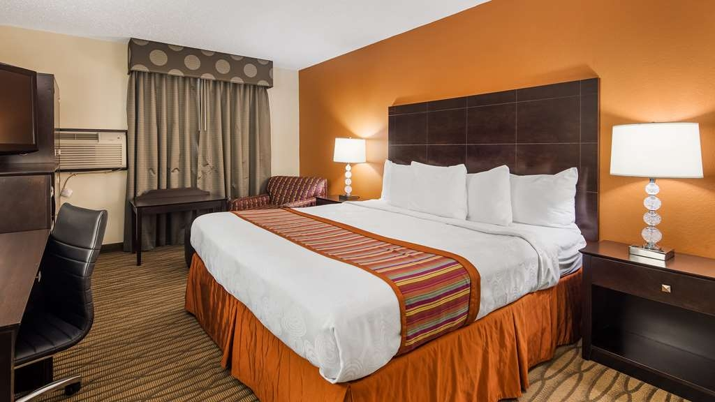Best Western Eden Prairie Inn - Stretch out and relax in our rooms.