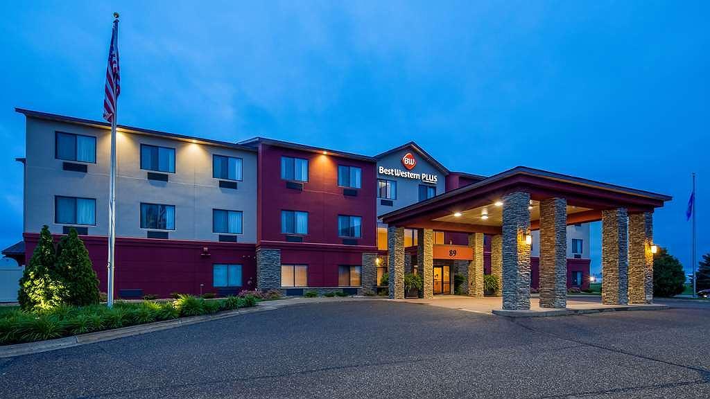 Best Western Plus Chelsea Hotel - Vista exterior