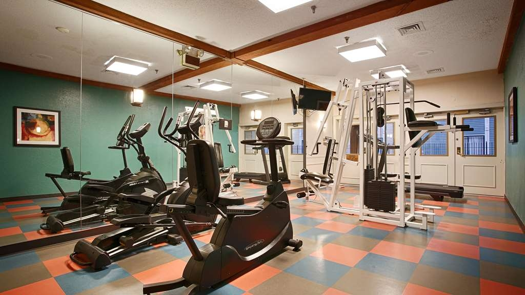 Best Western Plus Como Park Hotel - Our fitness center is open from 5am to 11pm daily!