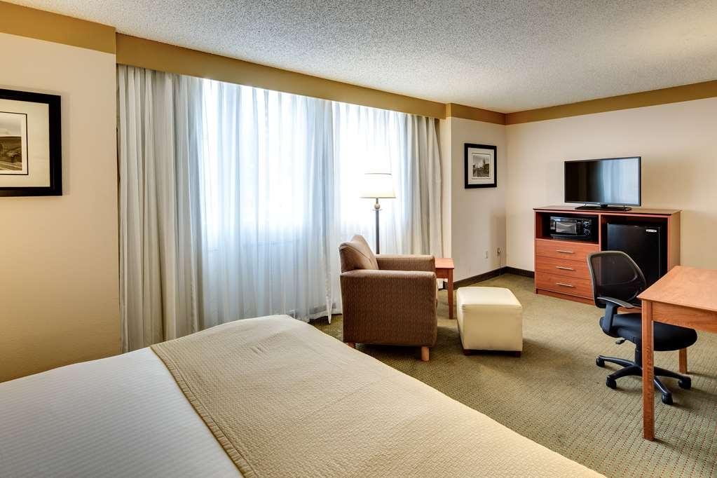 Best Western Plus Como Park Hotel - Guest Room