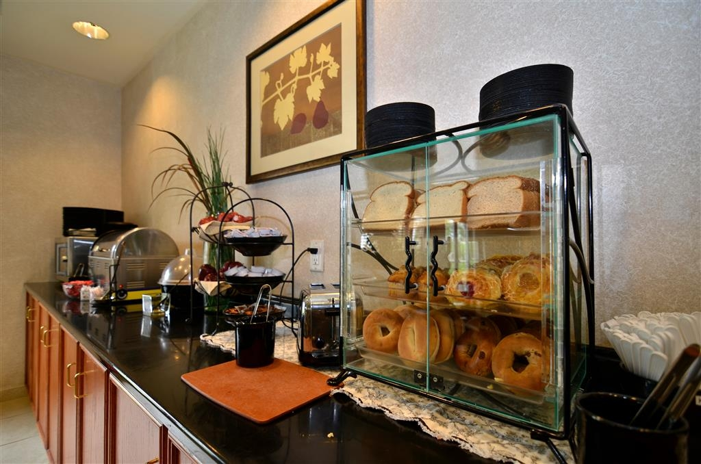 Best Western Regency Plaza Hotel - St. Paul East - Le petit déjeuner buffet