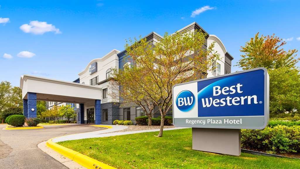 Best Western Regency Plaza Hotel - St. Paul East - Außenansicht