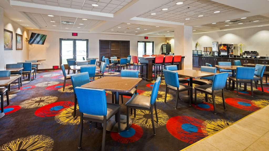 Best Western Regency Plaza Hotel - St. Paul East - Restaurant / Gastronomie