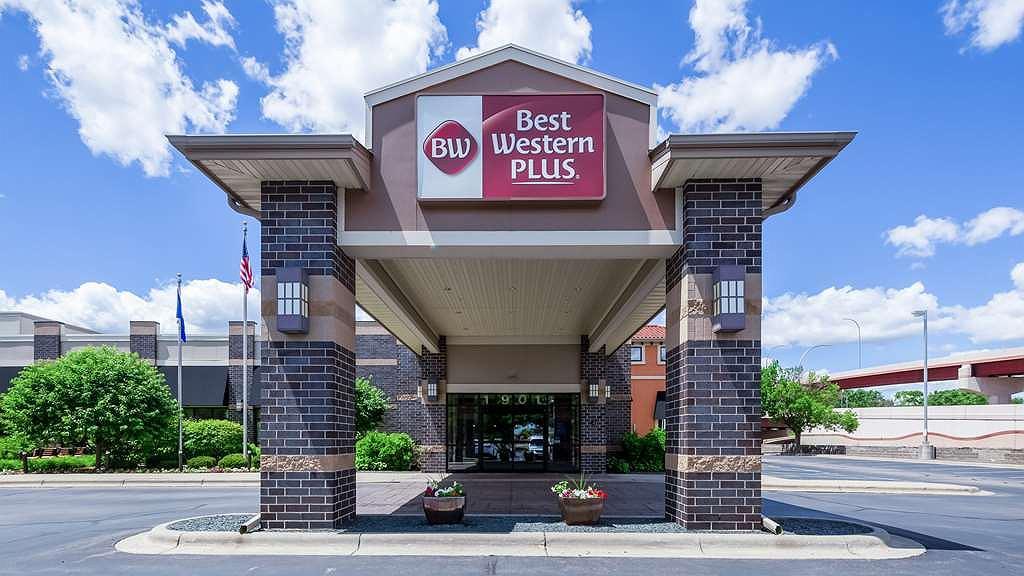 Best Western Plus Bloomington Hotel - Exterior