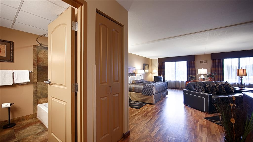 Best Western Plus Bloomington Hotel - Suite