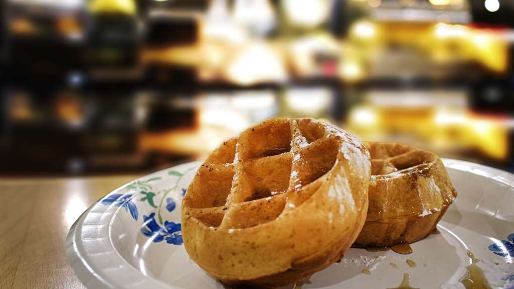 Best Western Shakopee Inn - We offer a variety of menu options including Belgium waffles, garlic cheese biscuits, sausage, and much more.