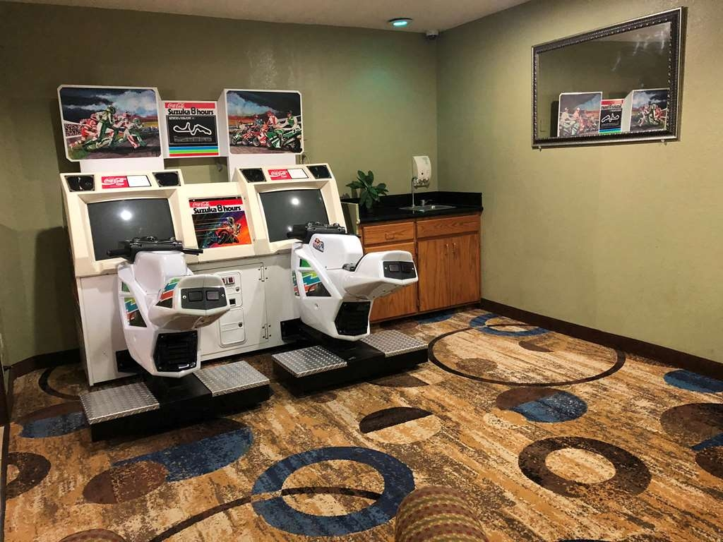 Best Western Shakopee Inn - Play our exciting arcades throughout the hotel- all free for use to our guests- no quarters required!