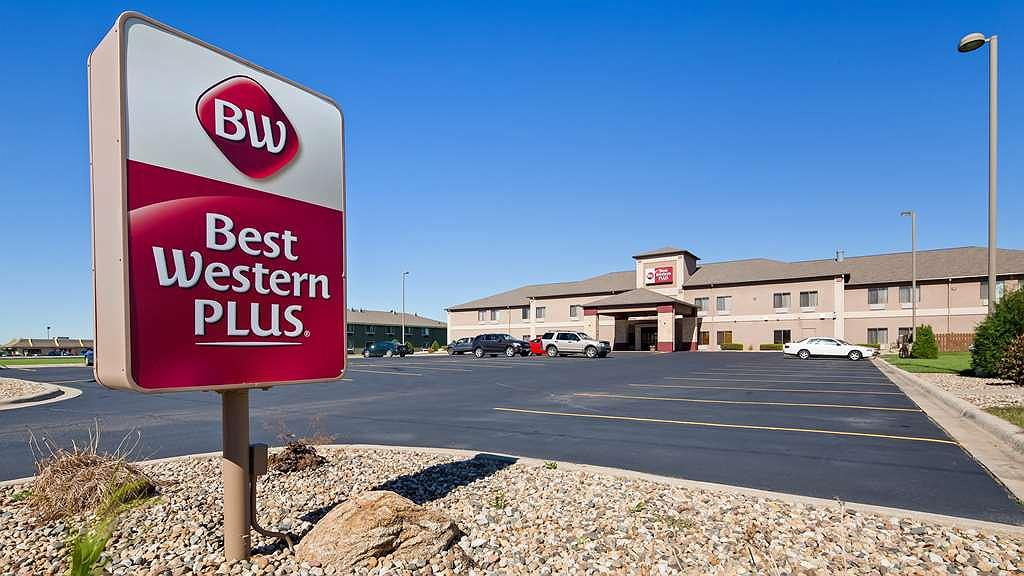 Best Western Plus Albert Lea I-90/I-35 Hotel - Area esterna