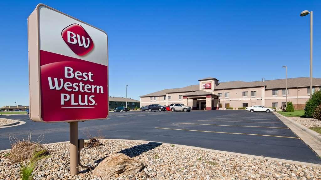 Best Western Plus Albert Lea I-90/I-35 Hotel - Facciata dell'albergo