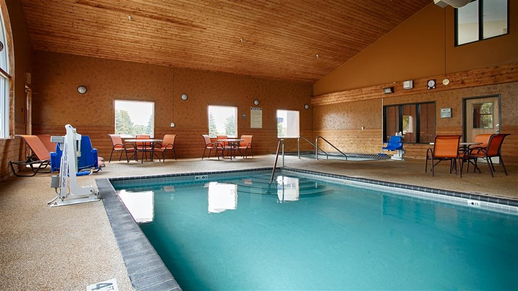 Best Western Alexandria Inn - Take a refreshing dip or swim some laps in our indoor pool.